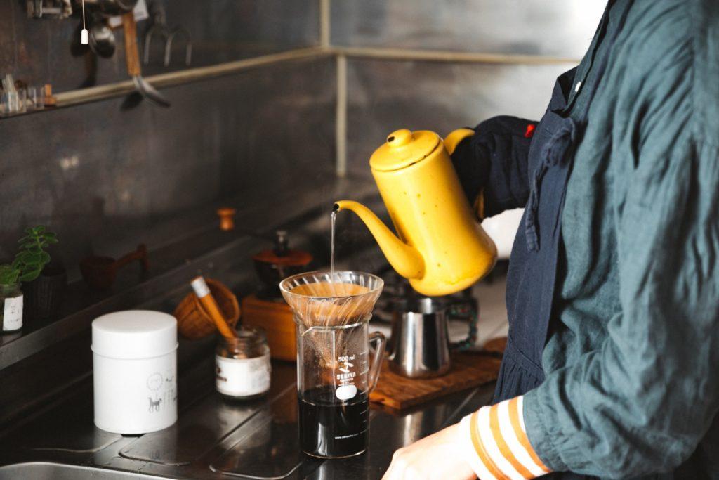 【コーヒードリップのコツ】今日からすぐ実践できる!お湯を細く注ぐ3つのコツ