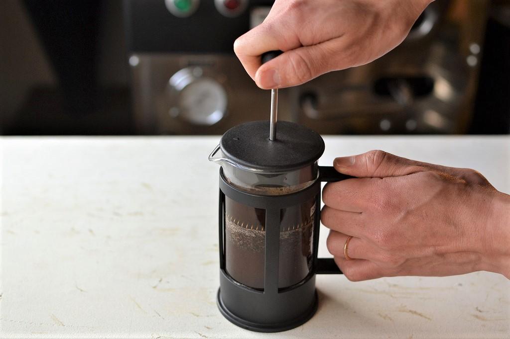 【はじめてでも失敗しない】フレンチプレスで美味しいコーヒーを淹れよう