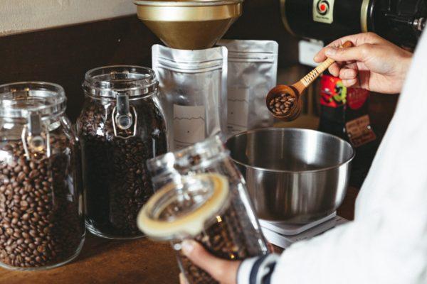 【コーヒーの基礎知識】コーヒー豆は何グラム使うのがいいの?杯数ごとの適切な量とは