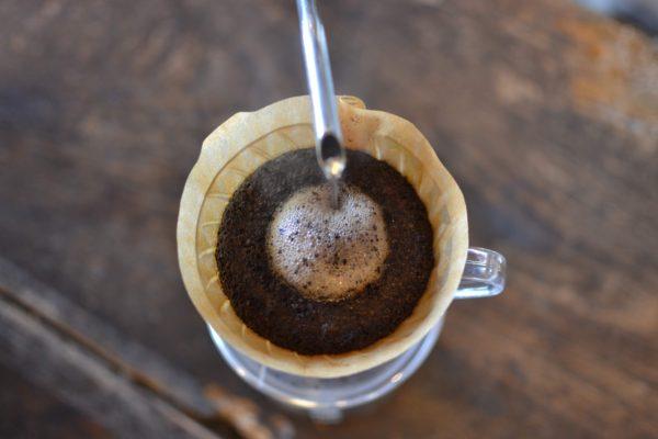 【コーヒーの知識】ドリップする時は真ん中に注ぐだけでOKなの?!